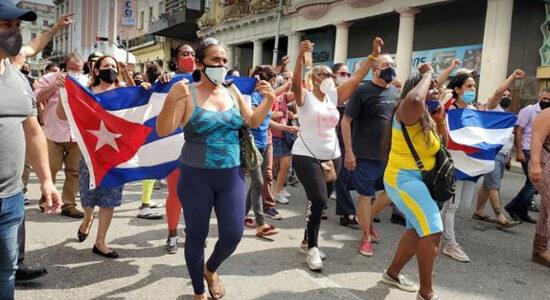 Ni linchamientos a mercenarios ni represión policial